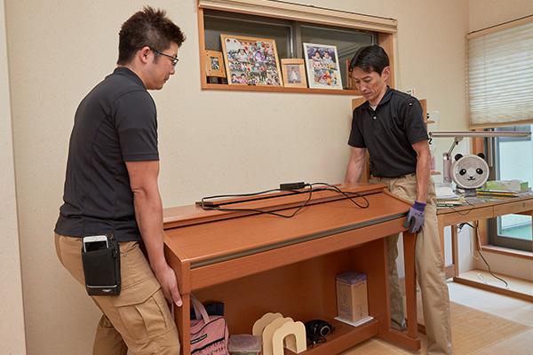 畳を敷くための家具移動の工程