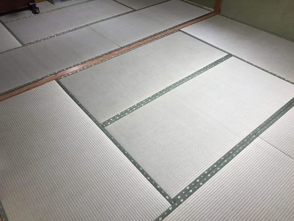 国産の藺草畳表を張り付けた上級品クラスの畳