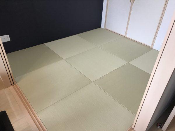 若草色の和紙を使った縁なし畳