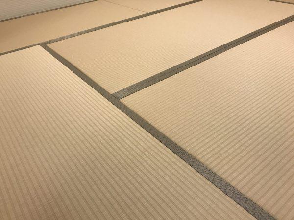 白茶色の和紙畳