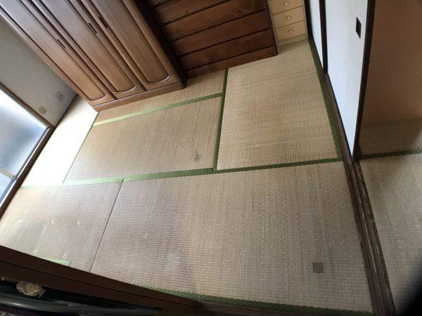 張替え前の畳